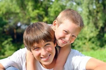 Feliz Dia do Irmão: Frases para Demonstrar seu Carinho